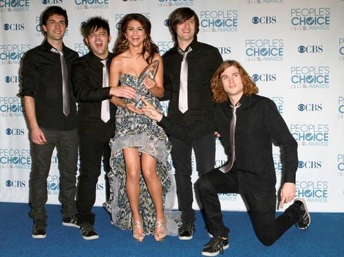 Selena and The Scene @ Peaople's Choice Awards 2011