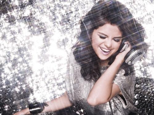 Selena kwa dj!!!