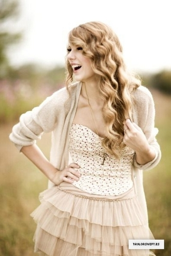 Taylor Swift - Photoshoot #122: People (2010) - anichu90 Photo