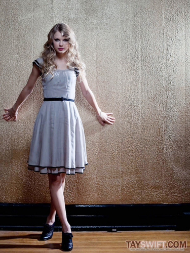 Taylor Swift - Photoshoot #123: The Independent (2010)