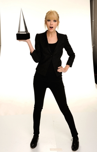 Taylor nhanh, swift - Photoshoot #129: 2010 AMAs portraits