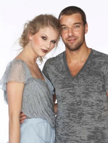 Taylor Swift - Photoshoot #134: Fashion (2010)