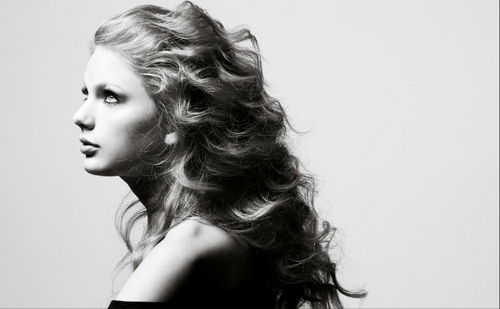 Taylor rapide, swift - Photoshoots #128: InStyle (2010)