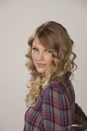Taylor rapide, swift - Valentine's jour promoshoot (2010)