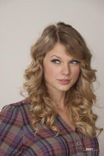 Taylor तत्पर, तेज, स्विफ्ट - Valentine's दिन promoshoot (2010)