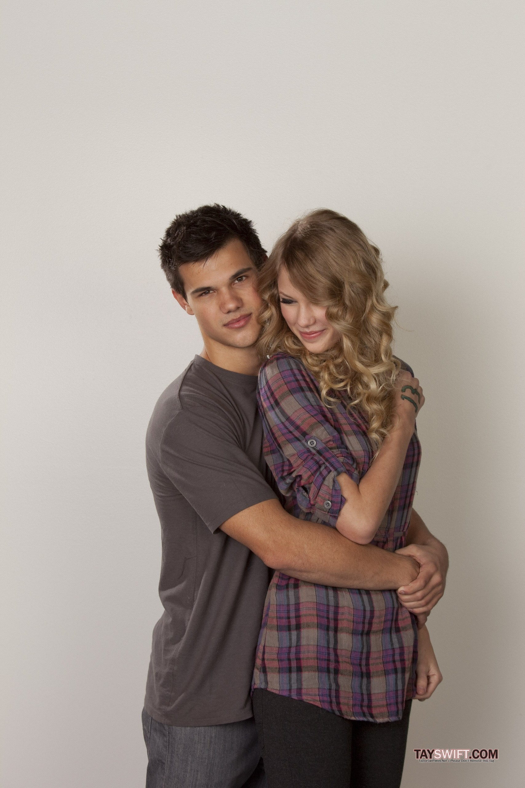 Anichu90 Images Taylor Swift Valentine S Day Promoshoot