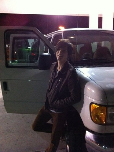 Zach w/ the creeper camioneta, van