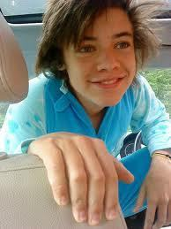 another pic of harry with straight hair - harry-styles Photo