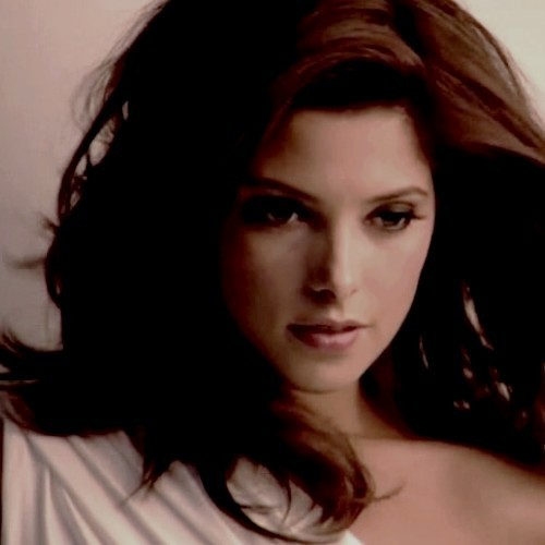 Siri-siri Twilight kertas dinding with a portrait entitled ashley greene