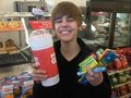 bieber with sweets - bieberlover90 photo