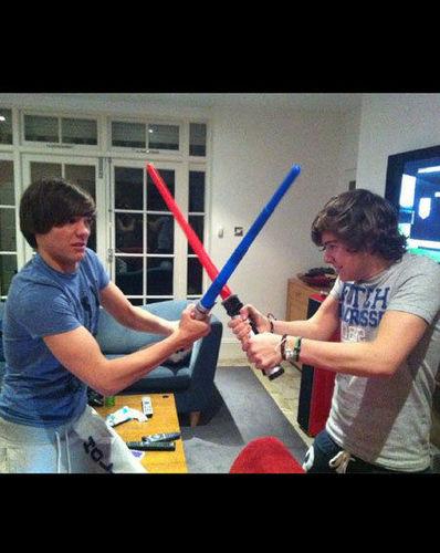 louis + Harry musclesxxxx