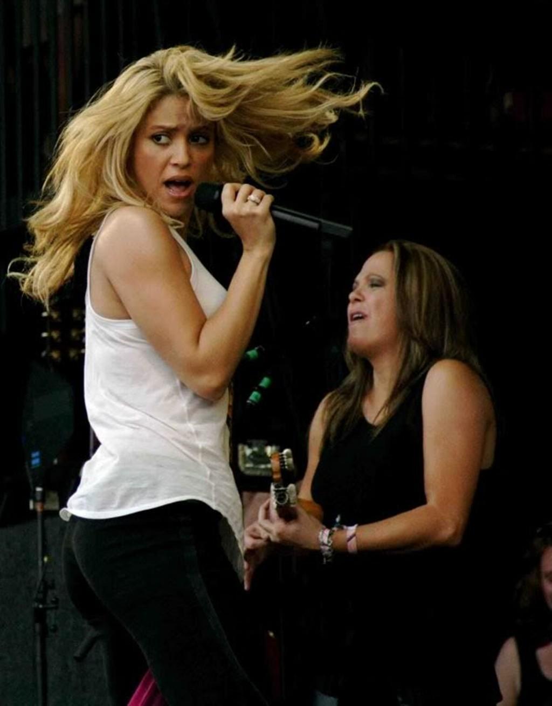 shakira ass. - Shakira Photo (18399711) - Fanpop
