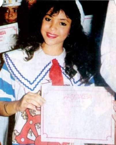 শাকিরা was young and black