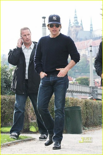Tom Cruise achtergrond titled tom cruise 2011