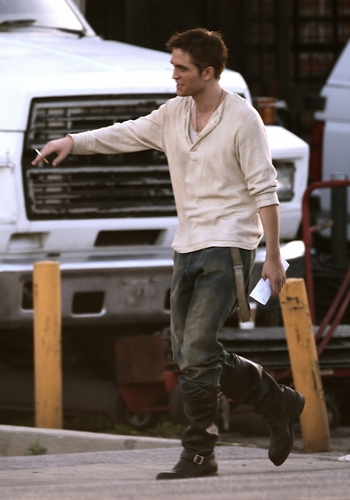 """Water For Elephants"" Reshoots [HQ/Untagged]"