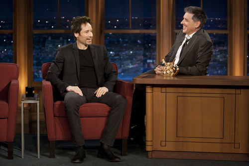 David Duchovny wallpaper containing a business suit, a well dressed person, and a suit entitled 12/01/2011 - Craig Ferguson [UHQ]