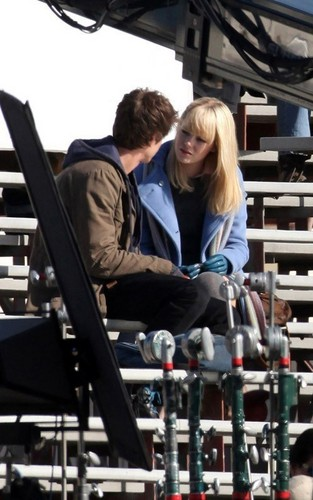 Andrew & Emma onset of SPIDERMAN!!:) - spider-man Photo
