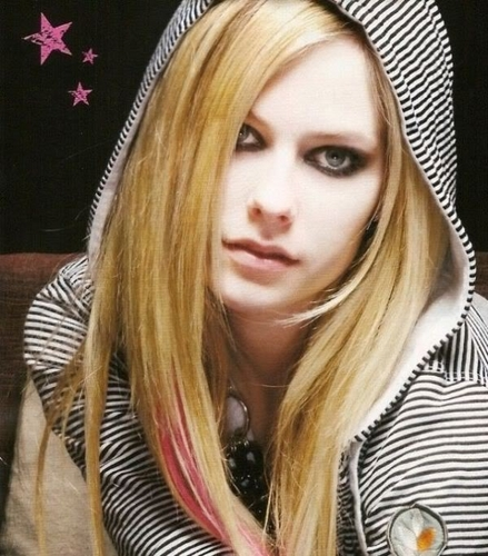 Avril Lavigne wallpaper probably containing a hood, an outerwear, and a portrait entitled Avirl Lavigne