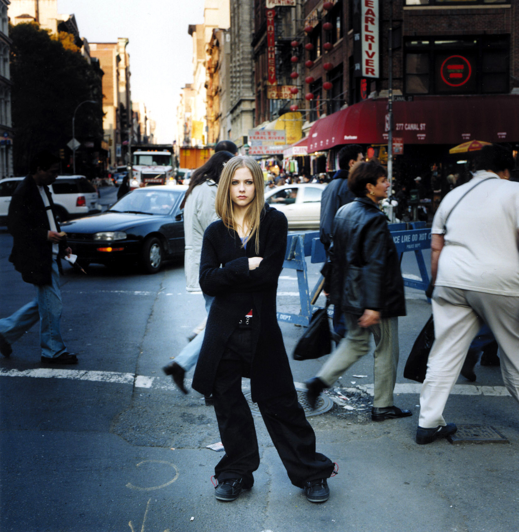 Anichu90 Avril Lavigne - Photoshoot #001: Let Go album (2002)