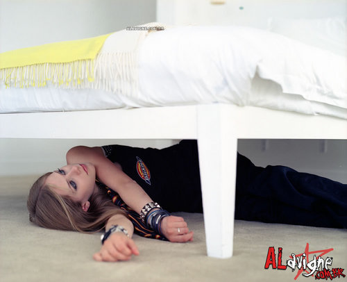 Avril Lavigne - Photoshoot #008: Under the Bed (2002)