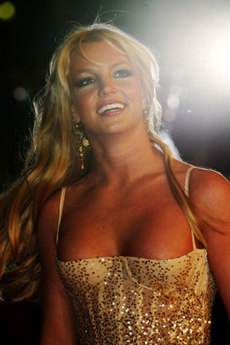 Britney at NRJ muziki Award Januar 2004,France