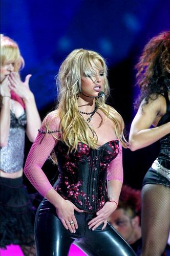 Britney at NRJ muziek Award Januar 2004,France