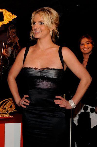 Britney celebraties her 27th birthday party at Tenjune,2008