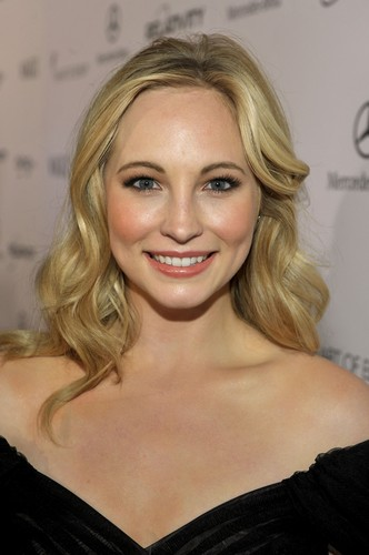 """Candice at 'The 2011 Art Of Elysium """"Heaven"""" Gala' - Red Carpet (HQ)"""