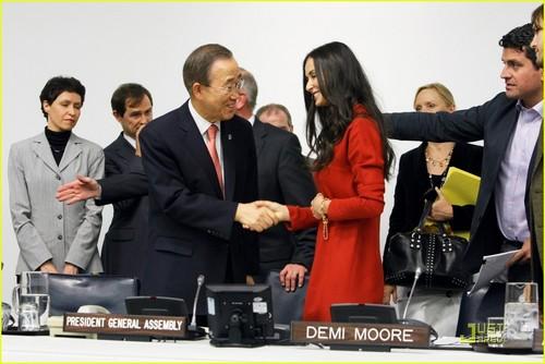 Demi Moore & Ashton Kutcher: Stop Human Trafficking!
