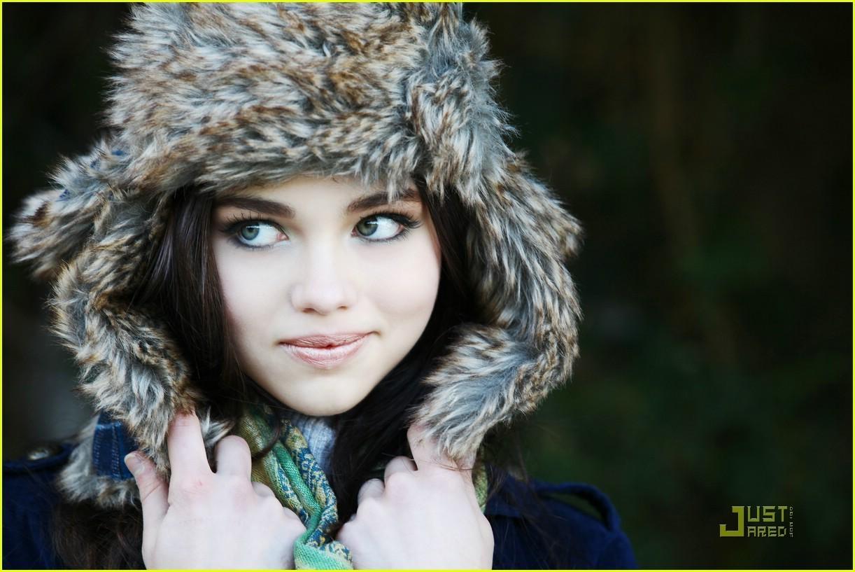 India ♥ - Ind... India Eisley Olivia Hussey
