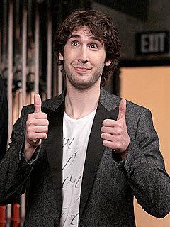 Josh Groban gives thumbs up!