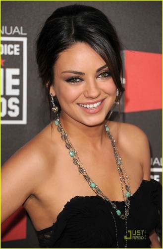 Mila Kunis @ 2011 Critic's Choice Awards