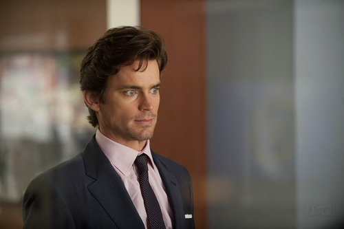 White Collar wallpaper with a business suit, a suit, and a three piece suit entitled Neal Caffrey