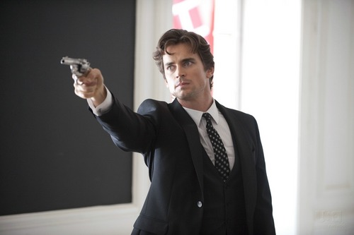 White collier fond d'écran containing a business suit, a suit, and a well dressed person titled Neal Caffrey