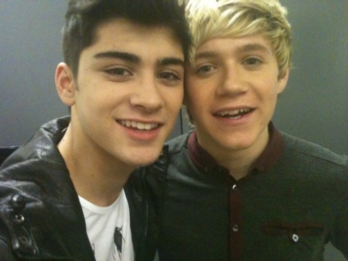Sizzling Hot Zayn & Irish Cutie Niall (How Cute R These 2?) 100% Real :) x
