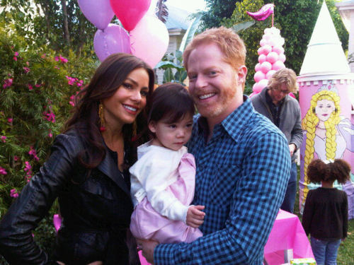 Sofia & Jesse बी टी एस of Lilly's Birthday Party