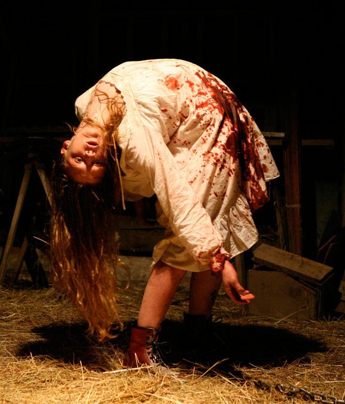 the exorcism of emily rose مشاهدة و تحميل فيلم الرعب والاثارة الرهيب طرد الارواح من إيميلي روز the exorcism of emily rose 2005 مترجم.