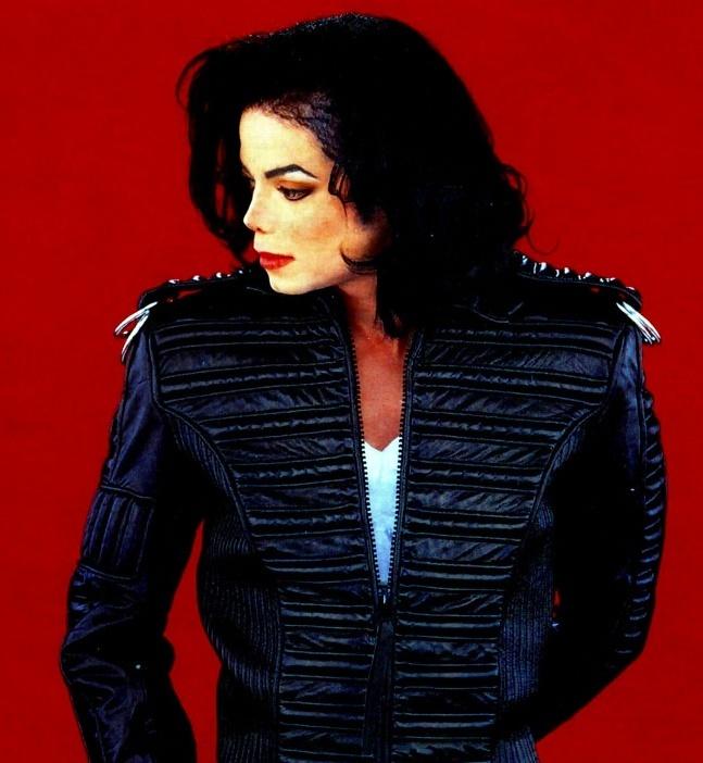 Michael em preto e vermelho ILoveTheDangerousEra-michael-jackson-18446898-647-702