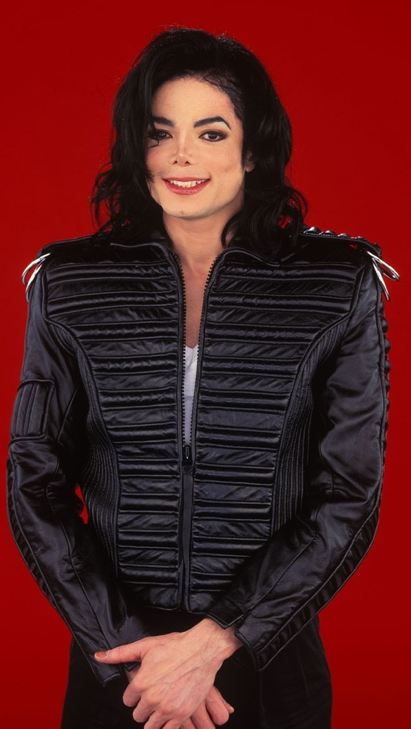 Michael em preto e vermelho ILoveTheDangerousEra-michael-jackson-18446902-597-1058