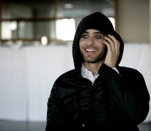 Jared Leto hình nền possibly containing a hood, an overgarment, and an outerwear entitled jared leto