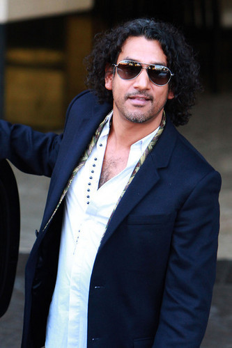 naveen andrews-in Hollywood 15.01.2011