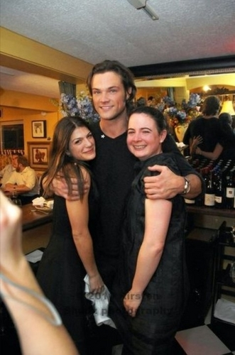 Jared Padalecki & Genevieve Cortese karatasi la kupamba ukuta possibly containing a brasserie titled weddingrehearsal