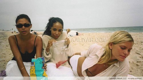 Aaliyah with friends