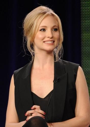 Additional các bức ảnh from the 'Kick-Ass Women of the CW' panel.