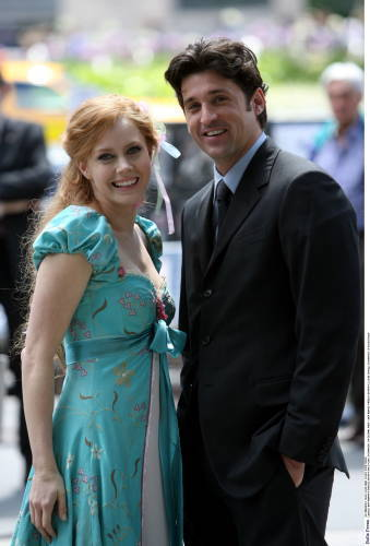 Riselle(Robert/Giselle) encantada wallpaper possibly with a business suit called Amy Adams&Patrick Dempsey
