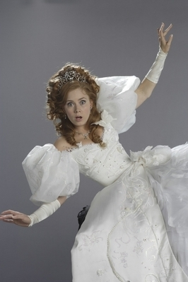 Riselle(Robert/Giselle) Enchanted wallpaper entitled Amy Adams(enchanted)Photoshoot