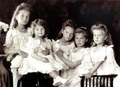 Anastasia Romanov with her siblings
