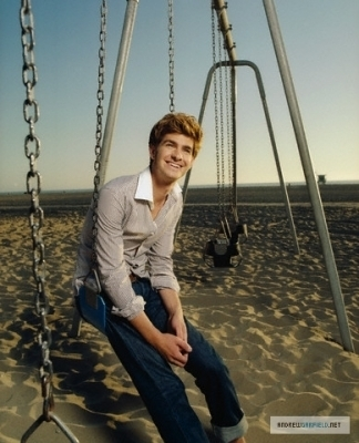Andrew Garfield karatasi la kupamba ukuta with a swing titled Andrew - Esquire UK Photoshoot (2007)