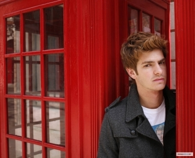 Andrew Garfield karatasi la kupamba ukuta containing a telephone booth and a business suit called Andrew - Heat Magazine Photoshoot (2007)