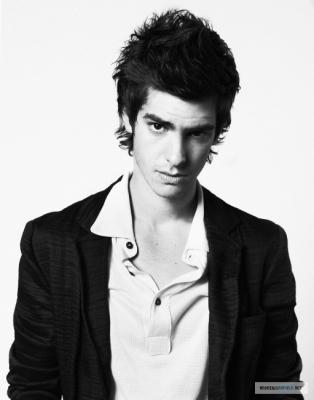Staff List Andrew-L-Uomo-Vogue-Photoshoot-2007-andrew-garfield-18518204-314-400